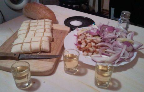 palinca-slanina-branza-si-ceapa