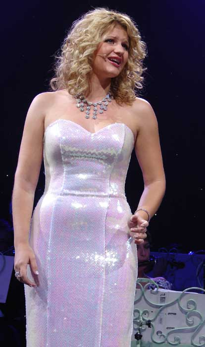Wishing You Were Somehow Here Again Lyrics Mirusia Louwerse Soprano At Andre Rieu Concert