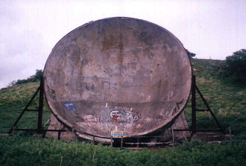 [Hythe sound mirror, May 2003]
