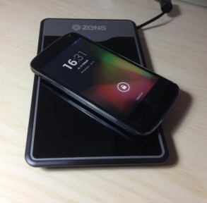 Nexus 4 und Zens Wireless Charger