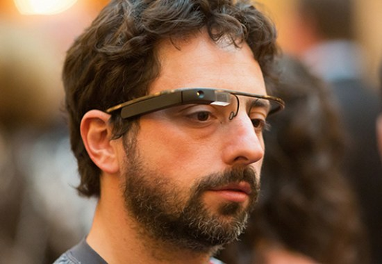 Google Co-Gründer Sergey Brin mit Google Brille (c) Thomas Hawk, flickr.com