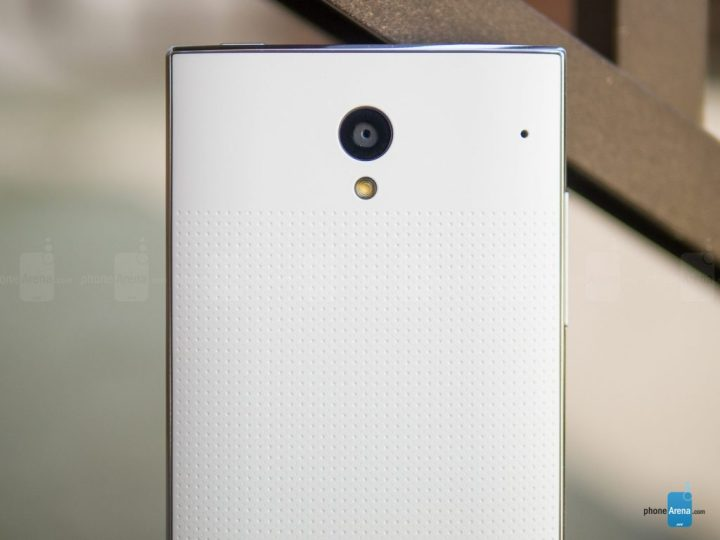 Sharp-AQUOS-Crystal-Review-010