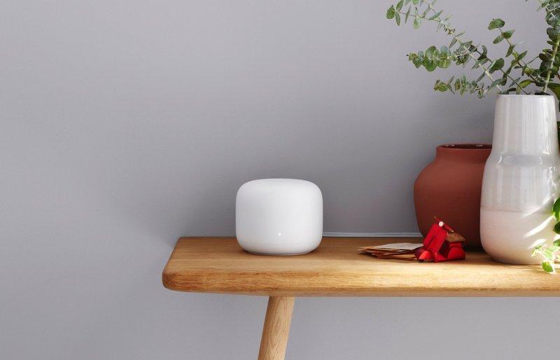 Nest Wifi Router sur une table