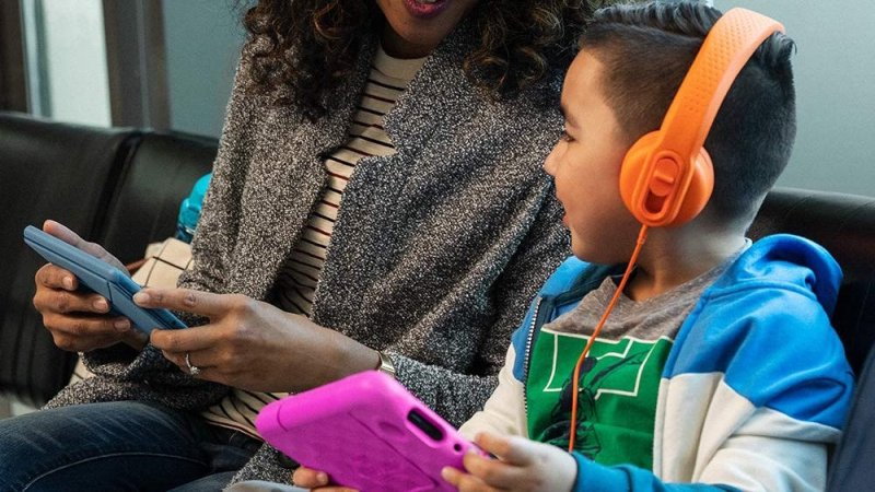 Amazon Fire 7 Kids Tablet 2020 Lifestyle