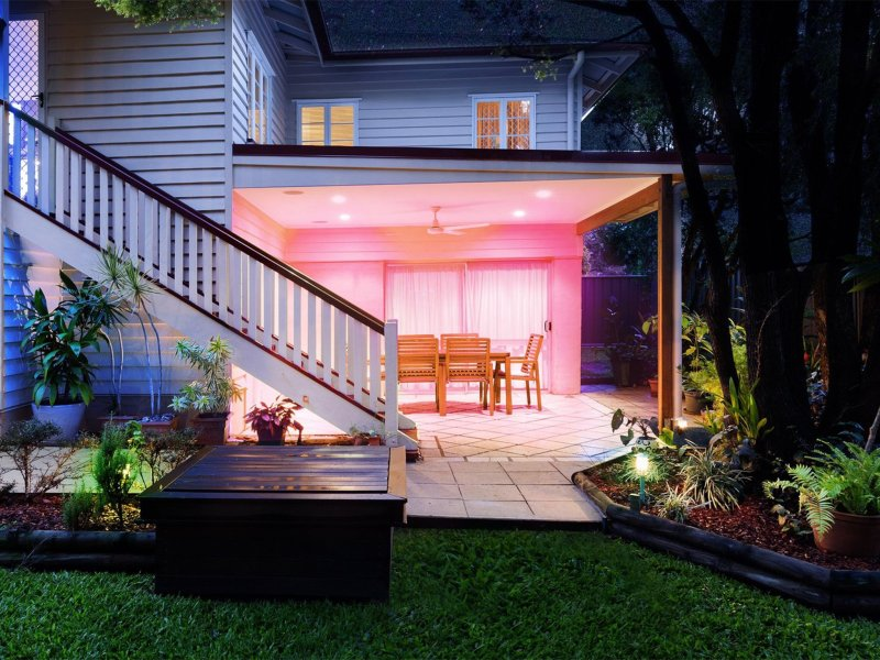 Lifx Br30s Outdoors Lifestyle