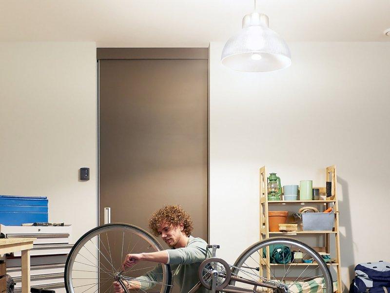 Philips Hue 1600 Lumen Bulb Lifestyle