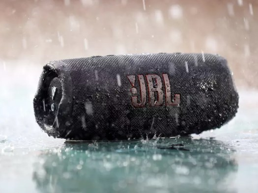 Jbl Charge5 Lifestyle