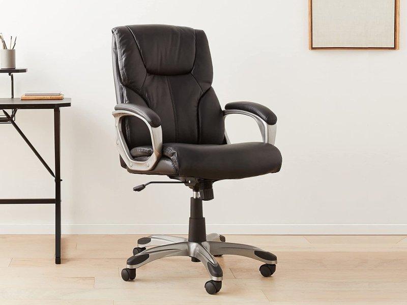 Amazonbasics High Back Leather Executive Chair Lifestyle