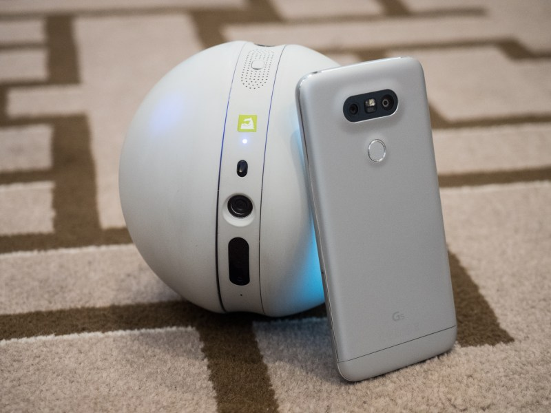 LG Rolling Bot + LG G5