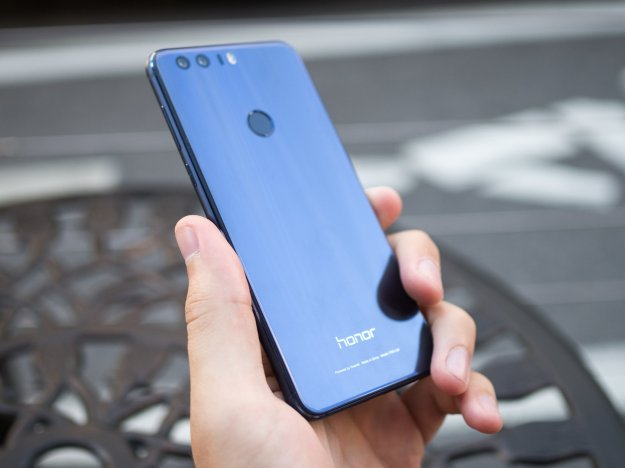 Honor 8 makes its debut in India for ₹29,999
