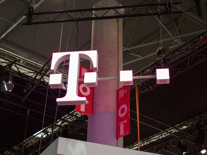 FCC Chairman formally endorses the proposed T-Mobile / Sprint merger