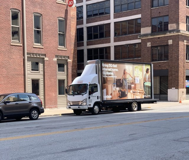Verizon 5G home truck