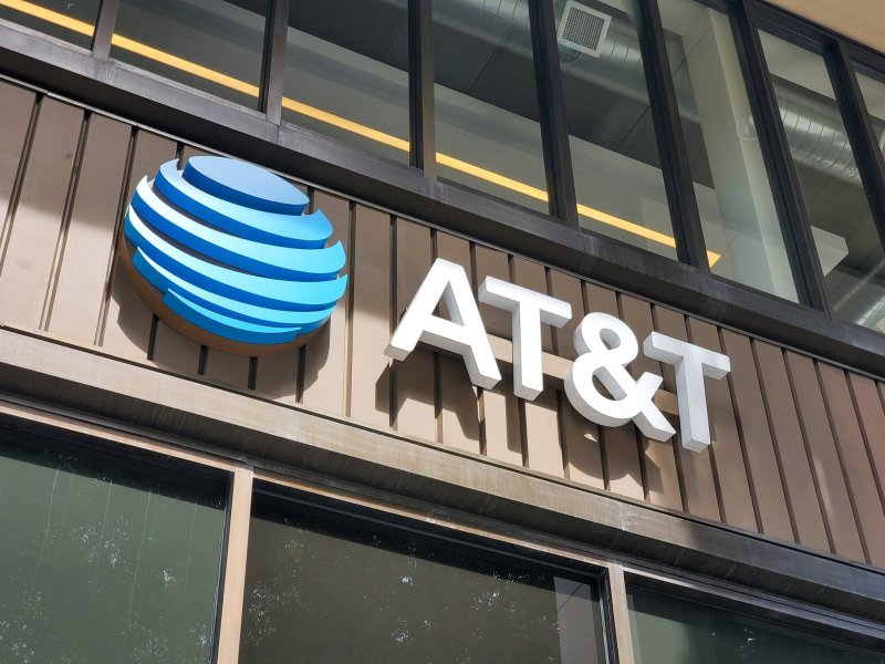 AT&T Sign Storefront