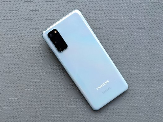 Galaxy S20 Review Cloud Blue Close Greycube