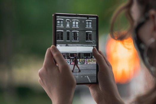 Samsung Galaxy Z Fold 2 camera software