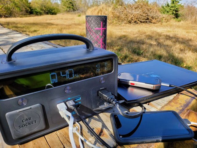 Anker Powerhouse Ii 400 Lifestyle