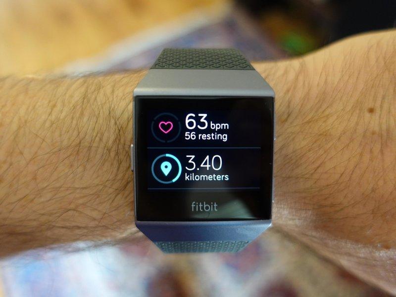 fitbit ionic 3 7zqe - Best Fitbit Tracker in 2018