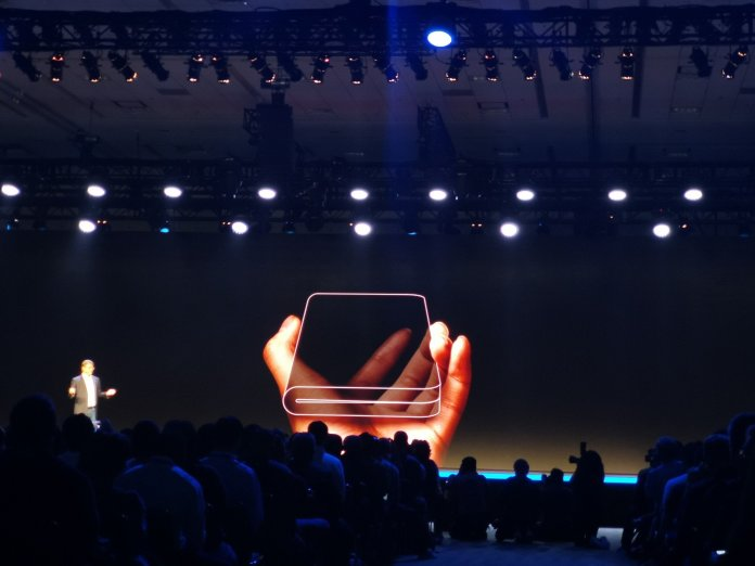 Samsung Infinity Flex display concept