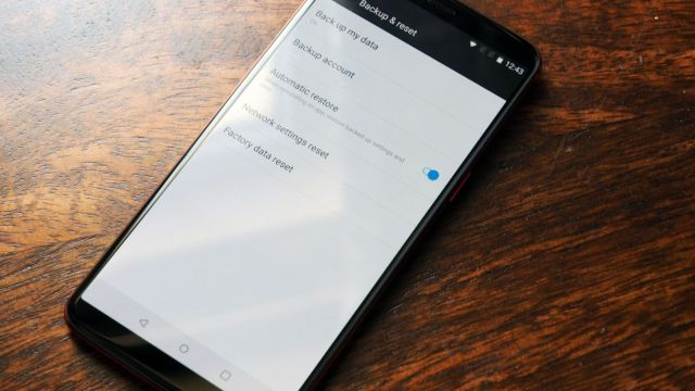 How to factory reset an Android device