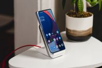 Top up your OnePlus 9 or 9 Pro with one of these wireless chargers
