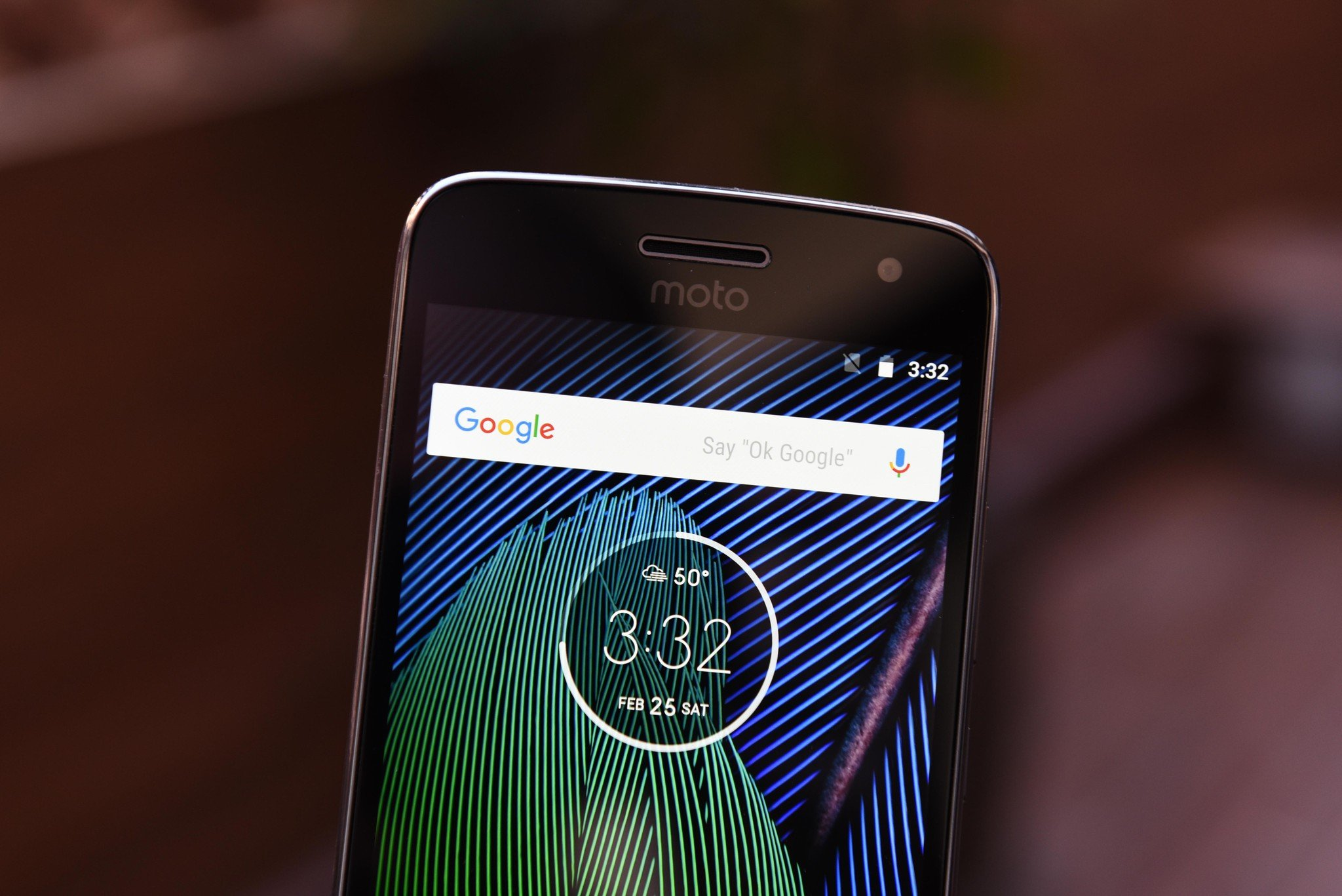hight resolution of like last year both the moto g5 and g5 plus offer full hd displays but motorola has brought the size down to 5 0 inches and 5 2 inches respectively