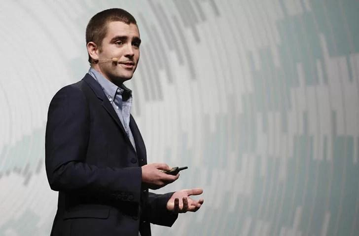 Facebook'un ürün şefi olan Chris Cox, kullanıcıların android...