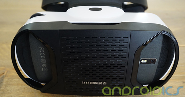 virtual-reality-bril-met-joystick-comfort-review-5