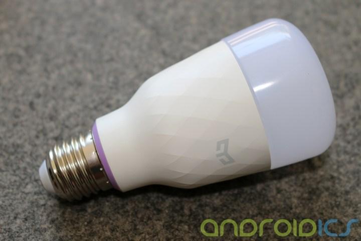 YEELIGHT-Smart-Light-Bulb-review