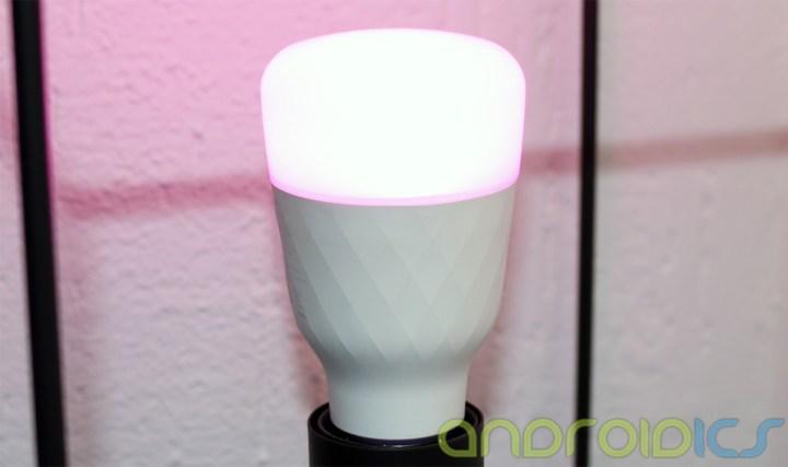 YEELIGHT-Smart-Light-Bulb-review3