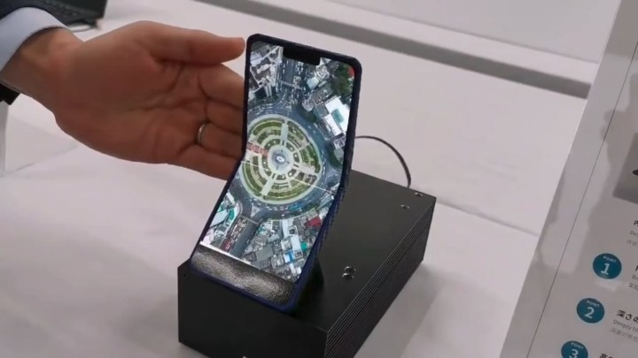 Sharp-prototype-vouwbare-smartphone