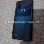 Motorola_Smartphone_Pop-up_selfiecamera-2