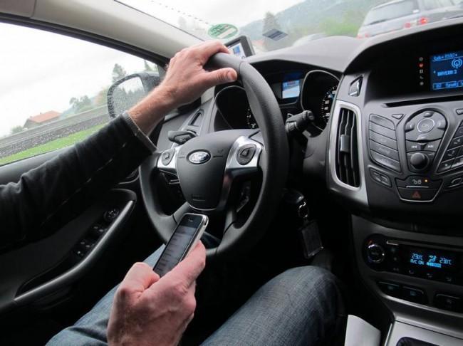 autofahren-smartphone