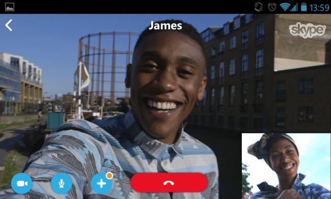 Skype hat auch die Steuerungselemente bei Videochats überarbeitet. Foto: Phandroid.