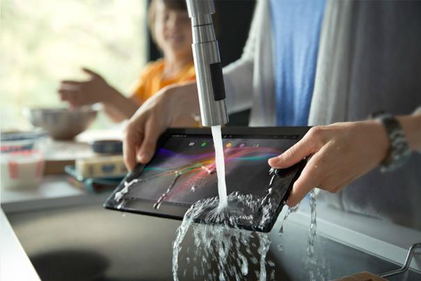 Keine Rücksicht auf Verluste! Das Tablet lässt sich einfach abwaschen. (androidnext.de)