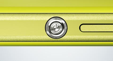 Das Xperia Z1 hält sich designtechnisch an der Xperia Z Reihe an und kommt mit dem Sony-typischen Ein-Auschaltknopf. Foto: Sony.