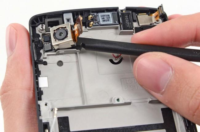 Die Qualität der Kamera des Nexus 5 wurde bei DPR untersucht (Bildquelle: iFixit)