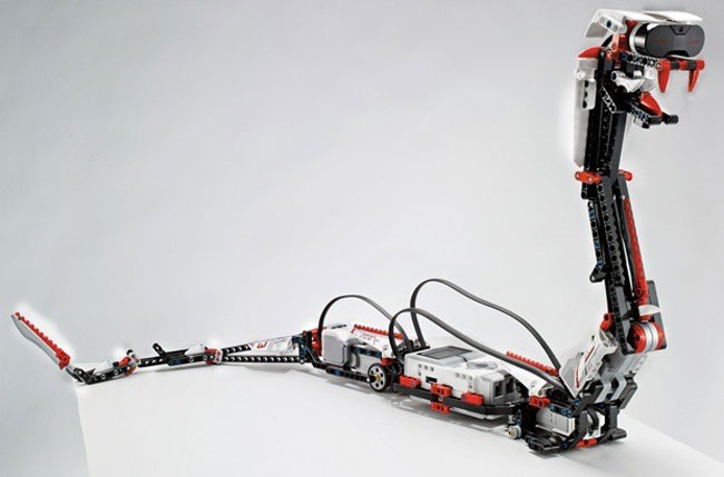 rapt3r: Der Klapperschlangen-Roboter wird über den Bewegungssensor des Smartphones gesteuert.