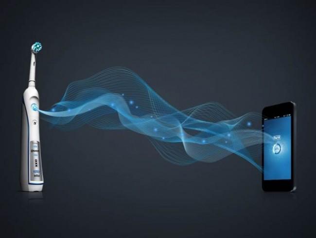 Die Zahnbürste wird via Bluetooth mit dem Smartphone gekoppelt.
