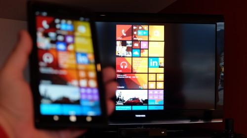 Microsoft_wireless_display_adapter_3