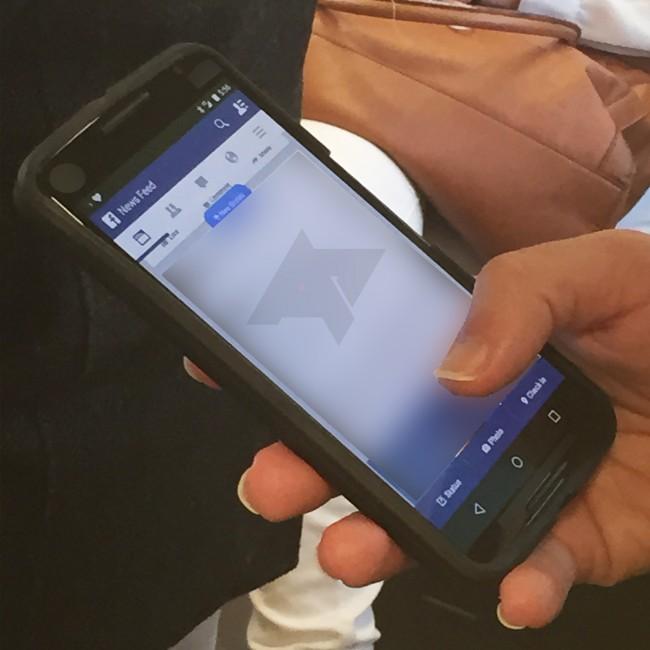Dieses Foto beweist, dass das Nexus 6 bereits im Umlauf ist und folglich schon bald offiziell vorgestellt werden wird. (Foto: AndroidPolice)