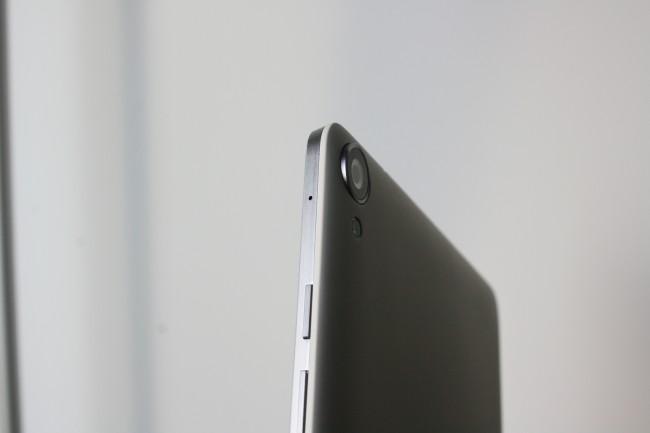 Die Kamera des Nexus 9 ragt auch ein wenig aus dem Gehäuse des Geräts heraus - ähnlich wie beim Nexus 5.