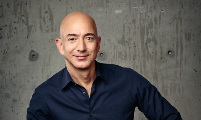 Amazon-CEO Jeff Bezos als neuer Karl Lagerfeld? (Foto: Amazon)