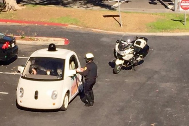 google-selbstfahrende-autos-langsames-fahren
