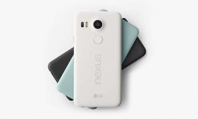 """Der schnelle und zuverlässige Fingerabdrucksensor des """"Nexus 5X"""" befindet sich an einer bequemen Stelle auf der Rückseite des Gehäuses. (Foto: LG Electronics)"""