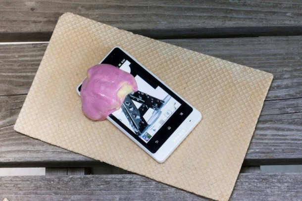 Auch den Sommertest mit dem Eis hat das Sony Xperia Go bestanden. Foto: A1.