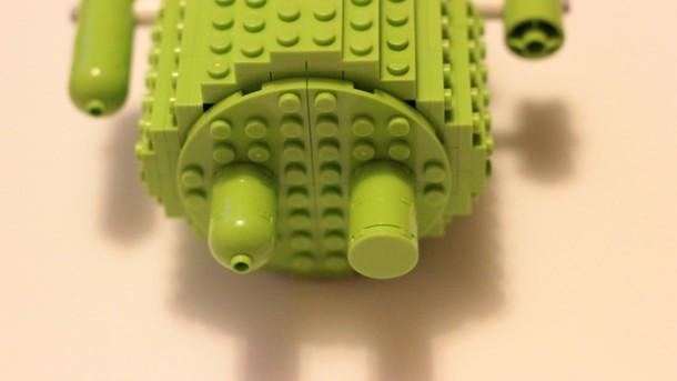 Das Konzept ist noch nicht 100 prozentig ausgreift deshalb hat der Entwickler in seinem Konzept 2 verschiedene Arten von Füßen realisiert.  Foto: Lego Cuusoo.