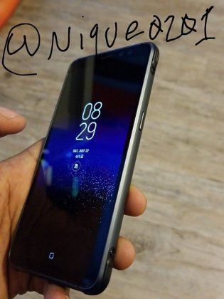 Galaxy S8 Active c Samsung Galaxy S8 Active Real life images leak; comes with 4000 mAh Battery 5 Leaks | News | Phones