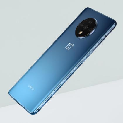 OnePlus 7T Glacier Blue colour
