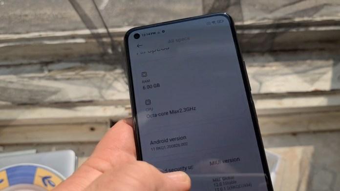 Xiaomi Mi 11 Lite leaked display