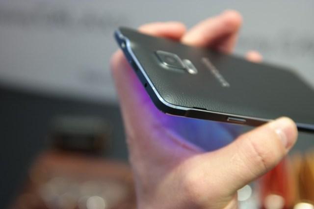 46v ye3b ev73u5q3 Samsung Galaxy Note 4, Evolutie Si Functii Noi